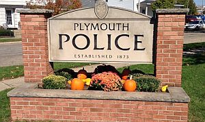 Plymouth_Police_sign_fall