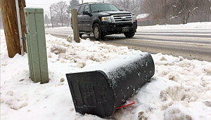 snowplow-damaged-mailboxes